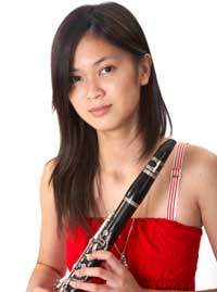 Looking for instruction in Violin, Trumpet. Flute or Clarinet. Call Wally World Music for and Band or Woodwind instrument lessons.